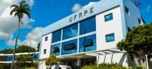 Imagem da fachada da UFRPE, campus Recife